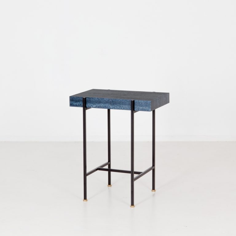 OSIS SIDE TABLE